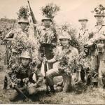 Đứng: Bang nam Minh,Thắm,Vũ thiên Lộc,Sơn (Mập) Ngồi: Sơn(phè),*Huỳnh Xuân Sơn tử trận 1974 Nguyễn Tự.